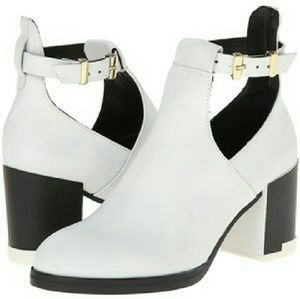 Miista Shoes - Sale! Miista Naomi Leather Round Toe White Bootie