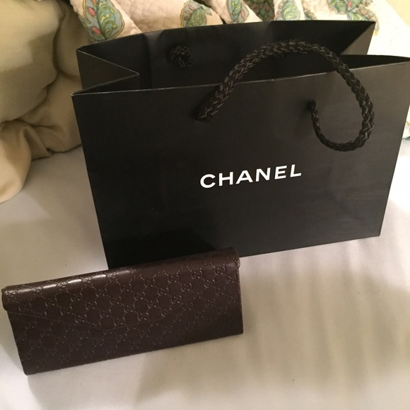 how to buy a used chanel bag