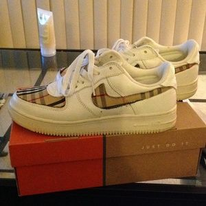 more photos aaf07 08bc2 Nike Shoes - Custom made Burberry Air Force Ones