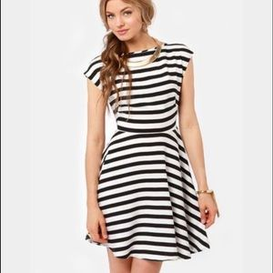 BB Dakota black and white striped dress