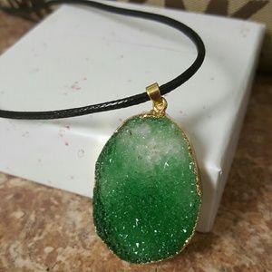 Jewelry - 💚Green druzy necklace💚