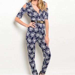 Pants - 🌟$10 FLASH SALE🌟 Navy blue floral jumpsuit