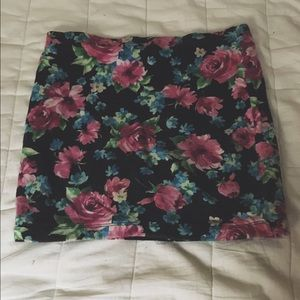 Floral Print Body Con Skirt