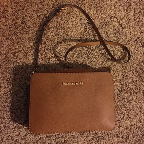 4fdb1590ad5 Michael Kors camel color leather cross body bag