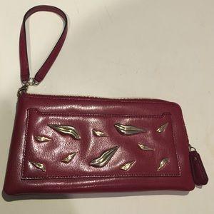 Diane von Furstenberg Bags - DVF wristlet ❤️💋