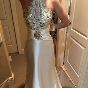 Sz 2 formal gown. Cream white. NWT , never worn.