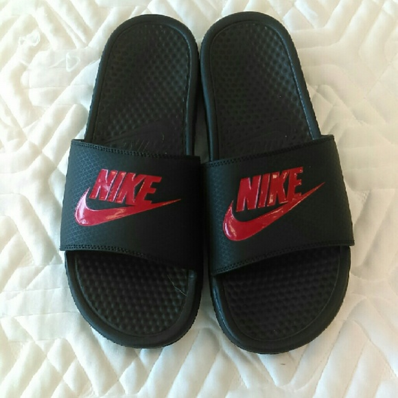 FINAL PRICE LIKE NEW Nike Slippers Size 10 For Men