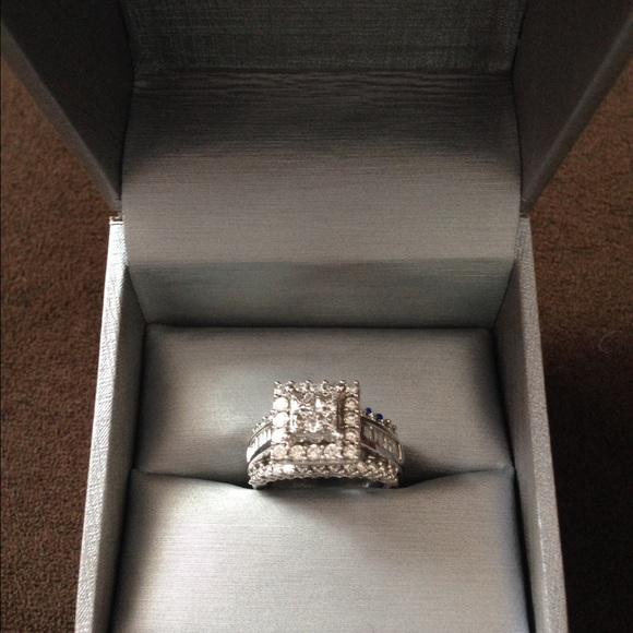 20 Off Zales Jewelry 💍beautiful Diamond Ring From Zales