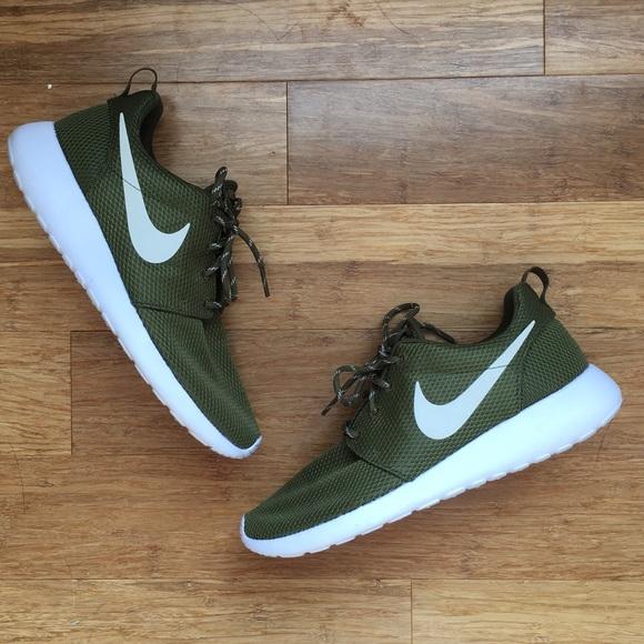 Nike Shoes | Hunter Green Nike Roshe