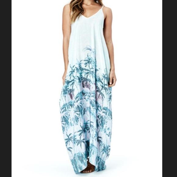 f6a43b5724c 🌴Lovestitch Coconut Grove Maxi Dress🌴