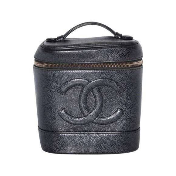 6ea7441e9a8b CHANEL Bags | Like New Vintage Caviar Vanity Bag | Poshmark