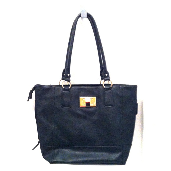 Apt. 9 Handbags - Faux Leather Black Purse.