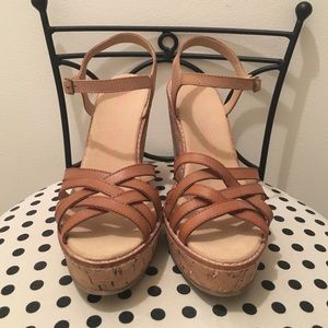 Gap Brown wedges size 6