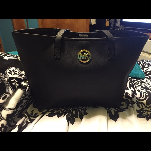 3d69c27877b9 Michael Kors Bags | Sold On Vinted Tote | Poshmark