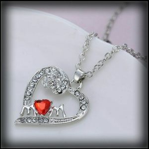 'MOM' HEART NECKLACE