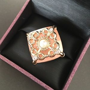 Clearance - bundle and save! Peach fashion ring 