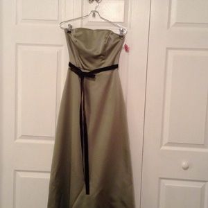 After Six Dresses & Skirts - REDUCED Green Satin Sweetheart Neckline Strapless