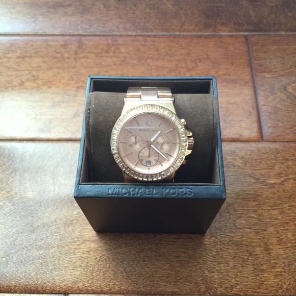 c512c7023a2a Accessories - Ross gold Michael Kors Watch