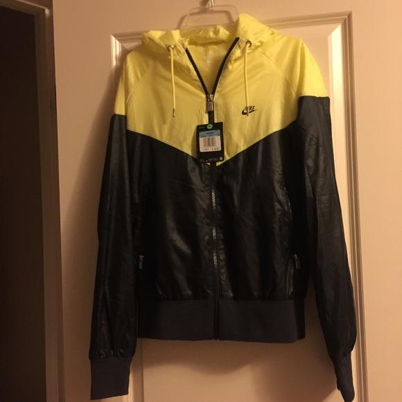 31a2e6550 Nike Jackets & Coats | Windbreaker Jacket Black Yellow Hoodie Zip M ...