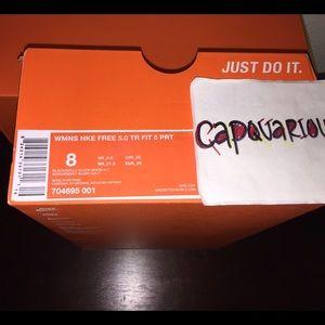 Nike Free 5.0 Tr Ajustement Richelieus Noir Et Blanc De Femmes DKd83a3