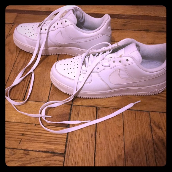 le scarpe nike air force poshmark quelli uomini 75