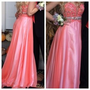 Peach Prom Dress GREAT CONDITION WORN ONCE SIZE 2