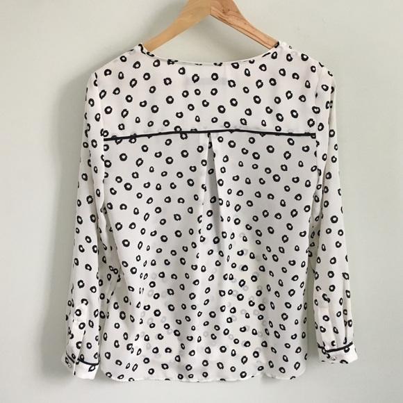 Zara Tops - Zara Long Sleeve Printed Top With Front Zip