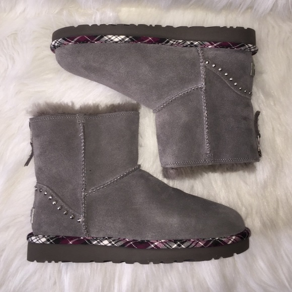 94d2f41aea1 UGG rock studded gray plaid boots 7 NWT