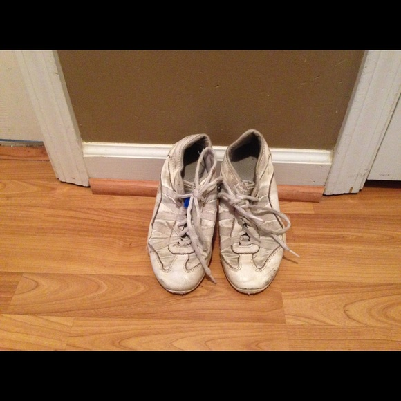 Nfinity Evolution Cheer Shoes   Poshmark