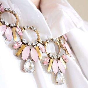 How to wear a pink statement necklace