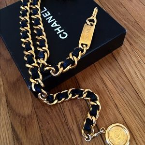 Vintage Chanel chain belt S