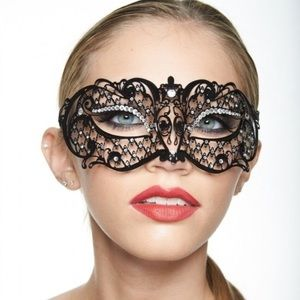 low priced 00081 48f46 Accessories - Black Exotic Mardi Gras Laser Cut Masquerade Mask