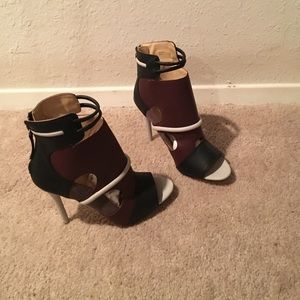 Shoes - Never been worn Gwen stefani bootie