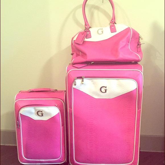 Guess Handbags - Guess Luggage Set 0d7996f3be499