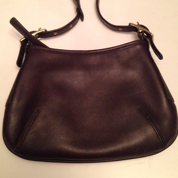 Coach Handbags - 🌞Mothers Day Gift-Chic Small Coach Leather Bag! 5120daed47425