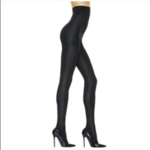 d66ba9005 ❤️NWT high waisted Hanes shaping tights in small