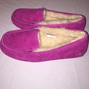 UGG Shoes - Ugg ansley ornate, peony, size 8