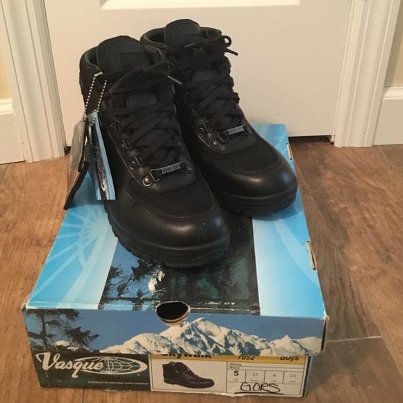Black Leather Vasque Goretex Boots