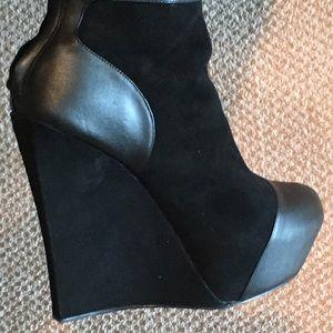Rock & Republic ankle booties