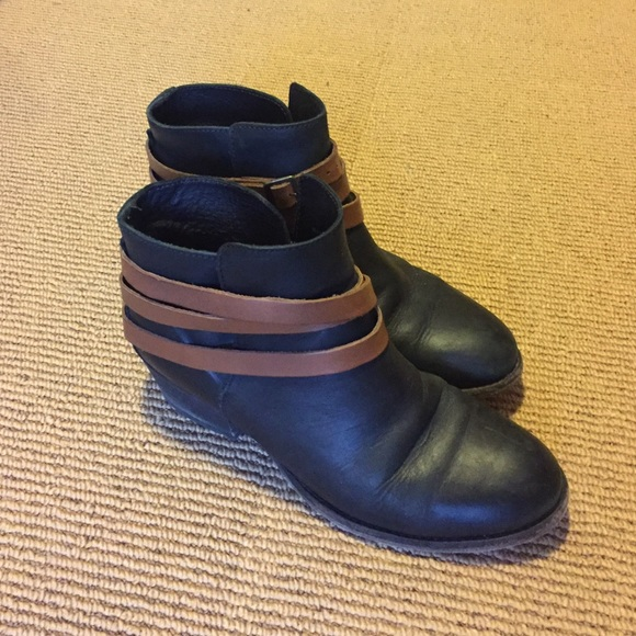87% off H by Hudson Shoes - H BY HUDSON Horrigan Boots // Size 41 ...