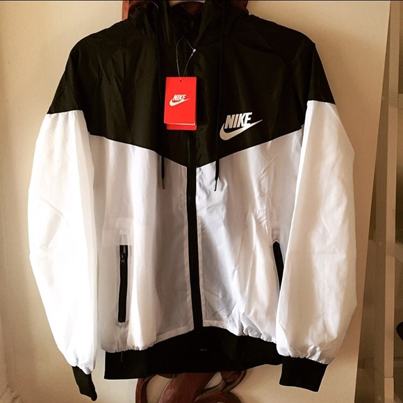 a497cf412 Nike Jackets & Coats | Womens Windbreaker Medium | Poshmark