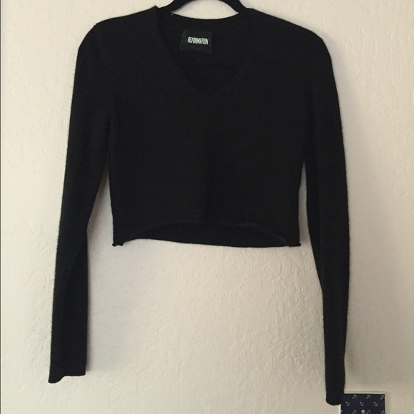 b6aebcd3b1 Reformation Black Cashmere Crop Sweater. M 56be78b1620ff7e3d600c838