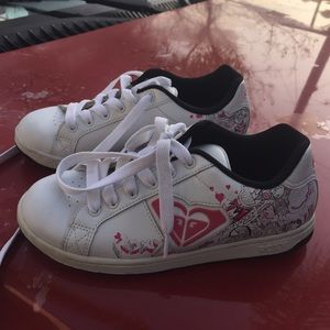 Roxy sneakers size 61/2 like new