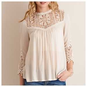 📢SALE📢🆕Natural High Neck Peasant Crochet Top