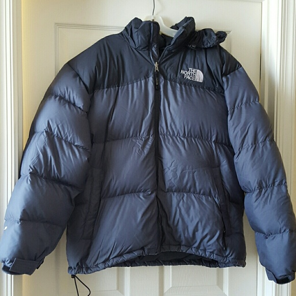 2cbd26f9ba Men s The North Face Nuptse 700 down puffer jacket.  M 56bf50bb6802784e9202ba8a