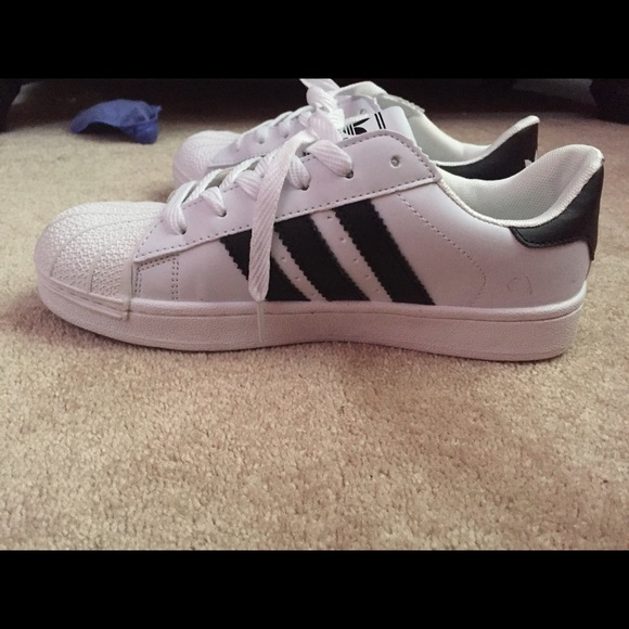 fake adidas superstar shoes