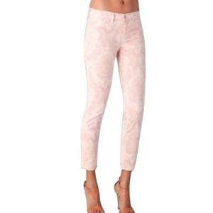 ❤️Host Pick❤️J Brand Baroque Jeans