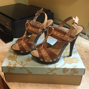 New Jessica Simpson shoes. Size US 6/ Eruo 36