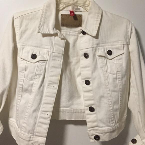 70% off H&M Jackets & Blazers - H&M short, cream, denim jacket ...