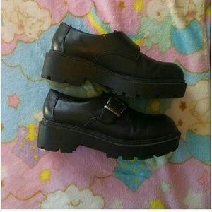 76e1c11c44b Mudd Shoes - Cute 90s Deadstock Mudd Chunky Shoes